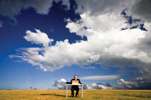 Trabajos por Internet desde casa al aire libre